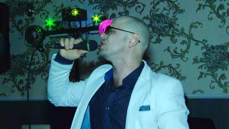Артист-вокалист Денис Демидов на праздник!
