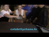 Autographers get stiffed by Wild Things actress Denise Richards