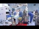 Знаменитый хирург обучает сургутских медиков оперировать детей с пороком сердца