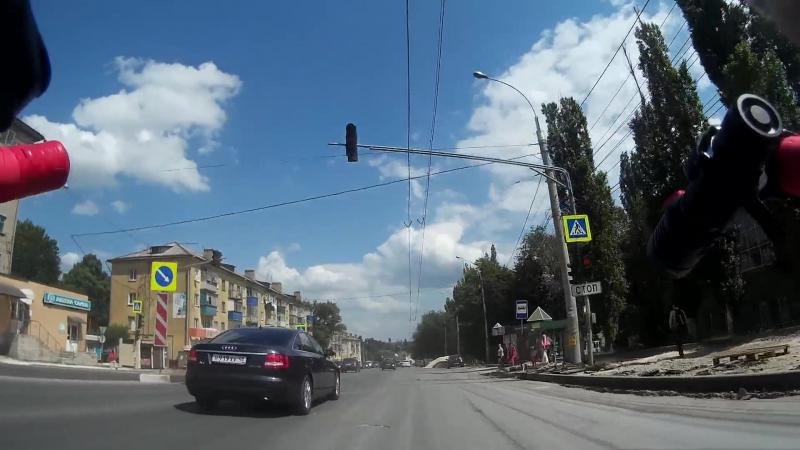 Варварский ремонт тротуара по ул. Студеновской в 2017 г.