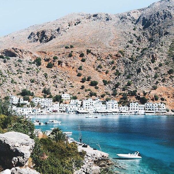 Петербург: тур на Крит в мае за 17400 с человека