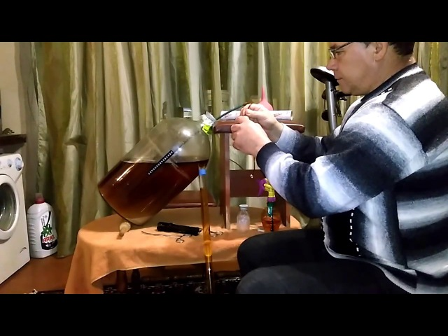 Как убрать с вина осадок ,не переливая в другую емкость !