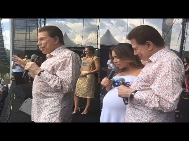 Sílvio Santos pede uma oração a Patricia Abravanel em festa do SBT