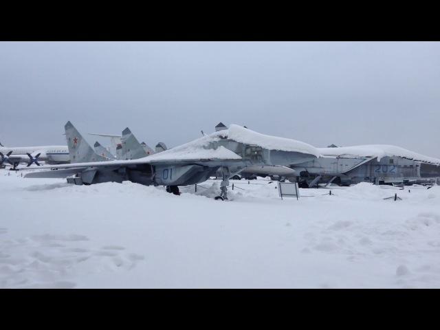 Музей ВВС в Монино зимой - немного самолетов под снегом -Moninio Aviation Museum Winter