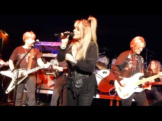 VIXEN Janet Gardner CRYIN with SCRAP METAL BAND New York 2014 Cutting Room