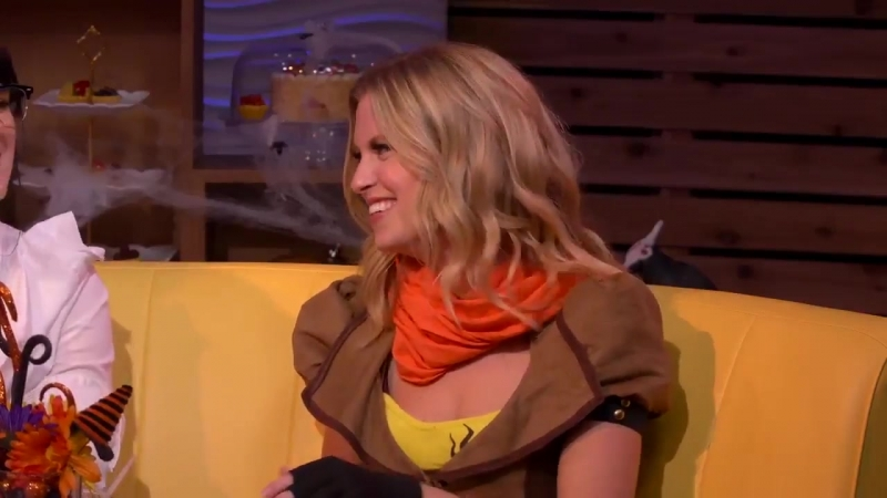 The RWBY girls reunite on a new AlwaysOpen and discuss, among other things, signs you can make with your hands