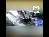 Появилось видео наезда автобуса на остановку в Москве