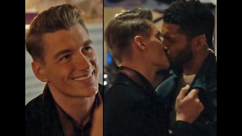 Алексей Воробьев целует гея в сериале «Нереально» | UnREAL