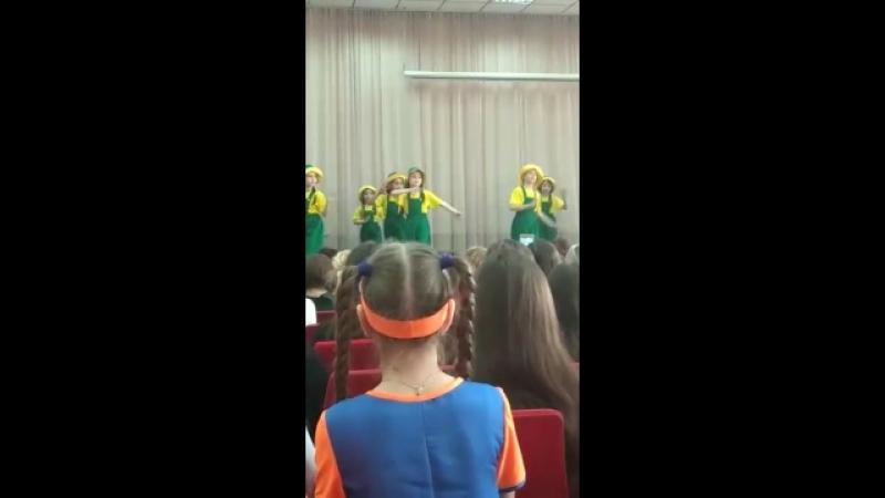 Шк 20 Выступление Алины Танец Паравозиков