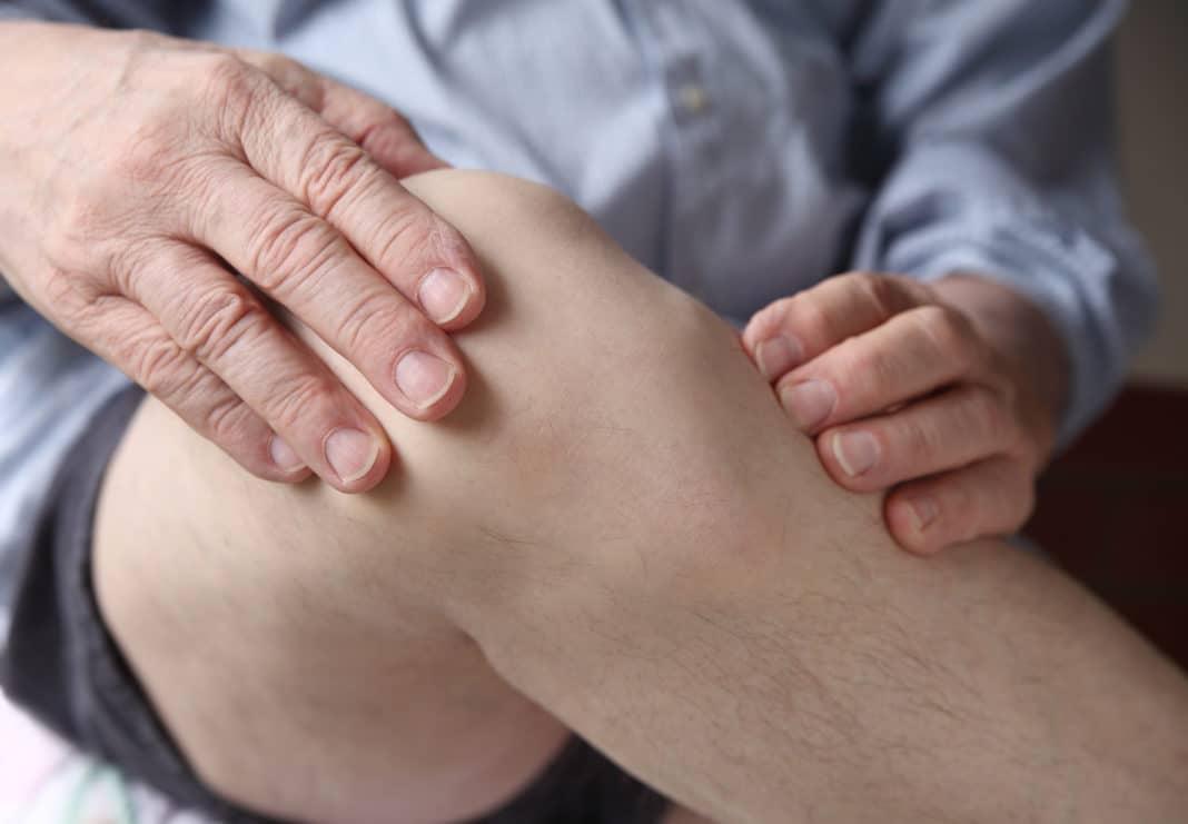 Боль припухлость коленных суставов