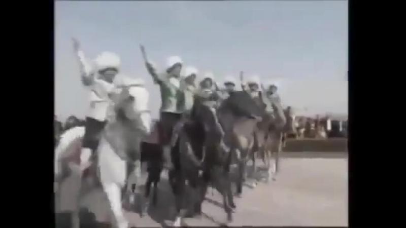 Как живёт Туркмения без коммуналки и бесплатным бензином