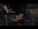 Телекинез с двумя деревянными предметами на прозрачном столе, Эрнст Ветер.