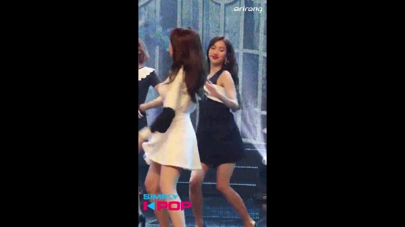 [Fancam직캠] Naeun(나은) APRIL(에이프릴) Blue Bird(파랑새) Simply K-Pop 031618