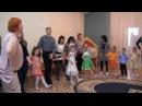 Тетя Весельчак. Танец с родителями. Д/с № 42 Пингвинчик, г. Верхняя Салда.