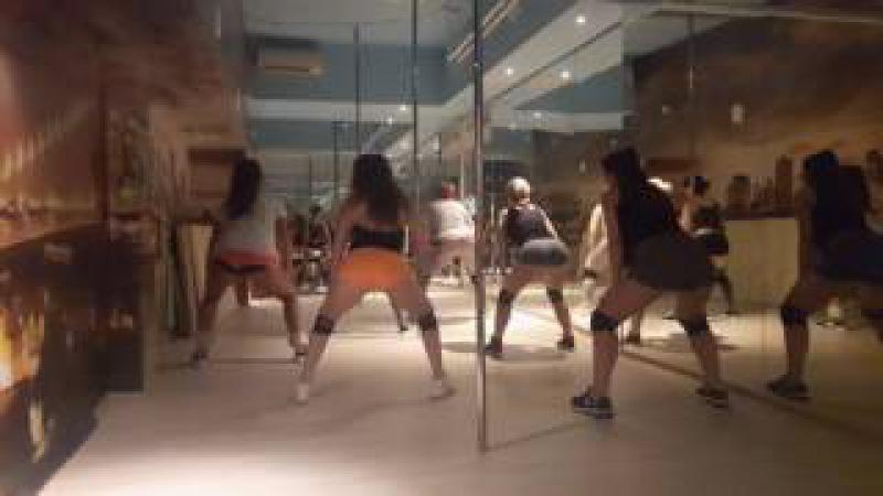Lena Svoboda_Booty Dance Twerk_5Life Dance