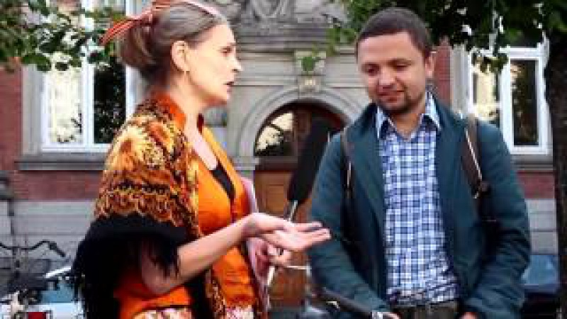 Ватная журнашлюха в Дании обломала зубы в разговоре с русскоязычным украинцем!