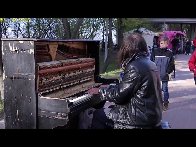 Man plays piano in street, people were shocked Уличный пианист, музыка для души! YouTube