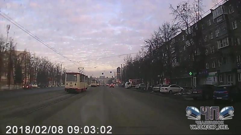 ▶ Авария Кирова и Калинина Челябинск