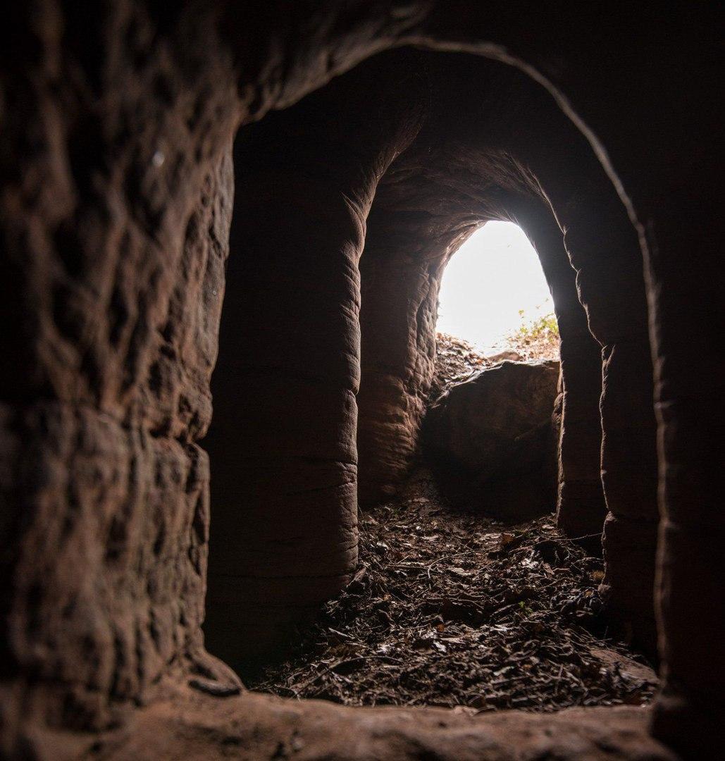 В Англии случайно раскопали подземный 700-летний храм
