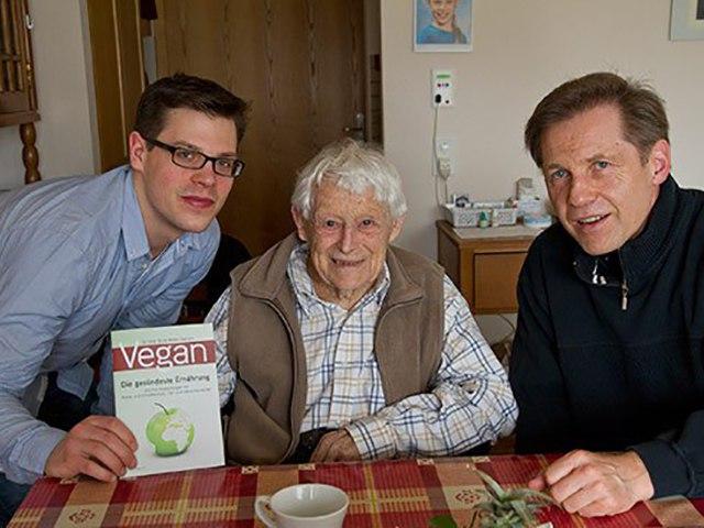 Вернер Хофштеттер. Интервью 102 летнего вегана.