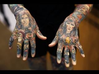 Джулия Гнусе. Шок. 95 % её кожи покрыто татуировками.