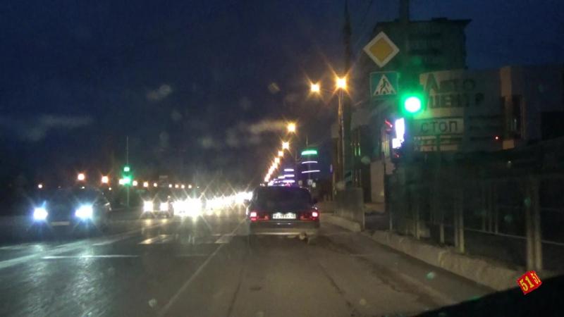 На ул. Крестьянской, где на переходе был смертельный случай по-прежнему темно, зато на шоссе 1000 огней