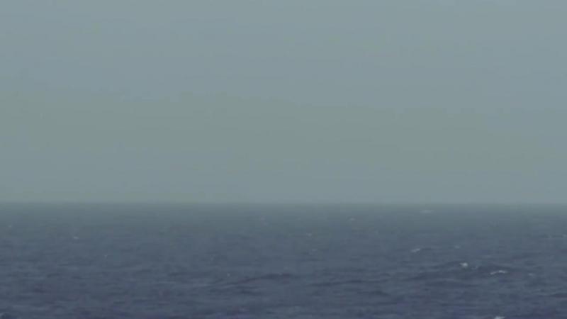 Тонущие беженцы звонили в береговую охрану и как те ответили...