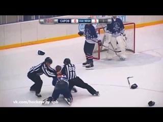 Андрей Миронов vs Антон Жихарев - ДРАКА В ХОККЕЕ!!! (