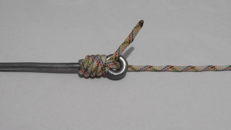 Безузловое крепление шнура к стержню с кольцом