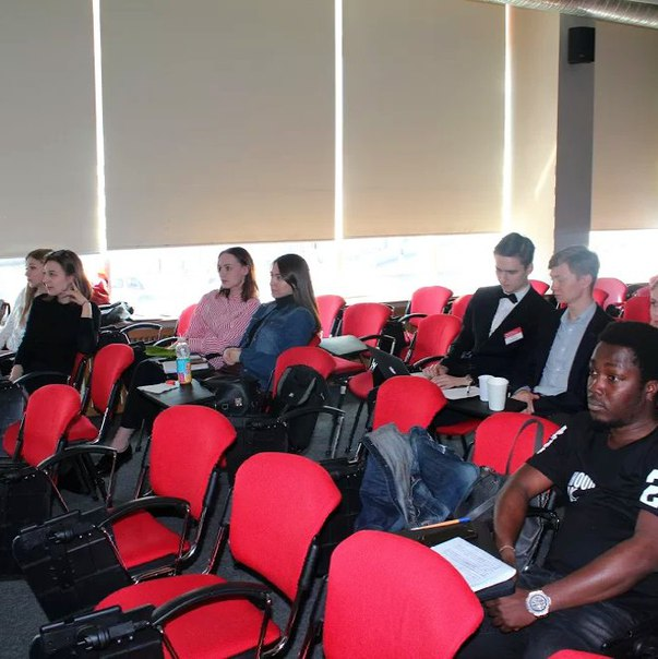 Студенты 4-ого курса международной программы бакалавриата Internationa
