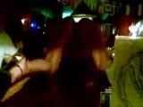 пьяная развратная Девушка абсолютно голая зажгла около стойки. . ммм.... очень красиво...(не порно,не секс.не эротика)