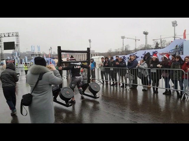 Артем Кобанов Коромысло 330 кг Moscow strongman Зимний Кубок по силовому экстриму 2017