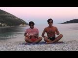 Viva la vida Coldplay - ukulele cover on the beach