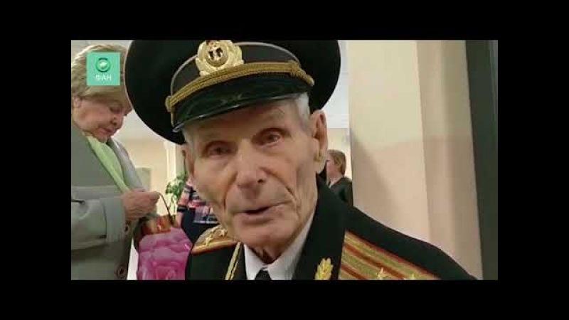 Крым. Голосует полковник морской пехоты Анатолий Галкин