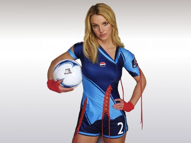 Britney Spears - Making of the Pepsi Football World Cup 2002
