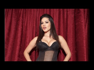 Sunny leone bollywood actress,wishes Christmas happy New Year 2018,for lover and fans