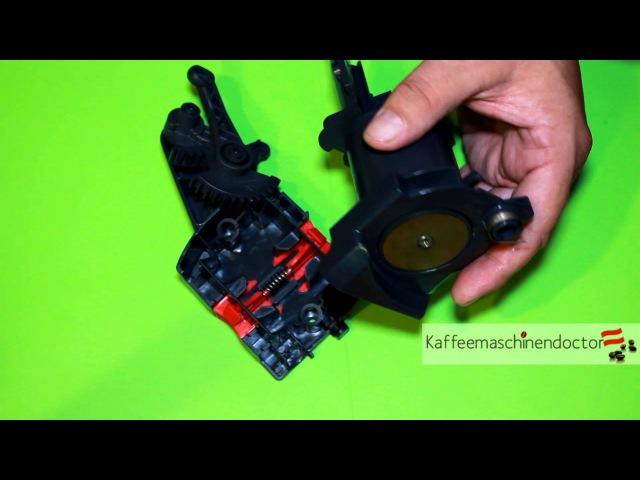 Видео смазки и за одно замены уплотнительных резинок на заварочном блоке всех кофемашин Delonghi серии ECAM