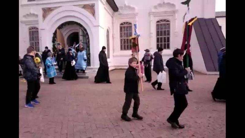 Крестный ход ко освящению ссыльного колокола Тобольский кремль Live 4 11 2017