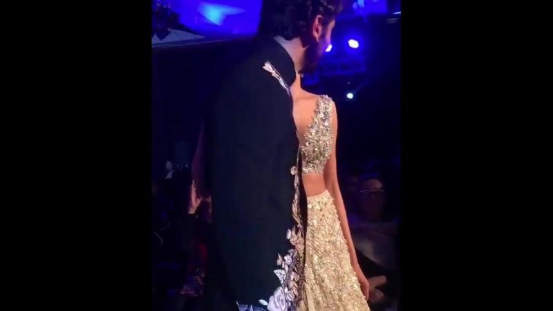 Ranbir Kapoor and Deepika Padukone on the ramp