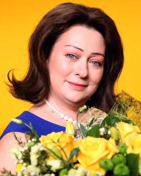 11 марта 1972 года родилась Мария Валерьевна Аронова - российская актриса театра и кино, телеведущая. Народная артистка Российской Федерации