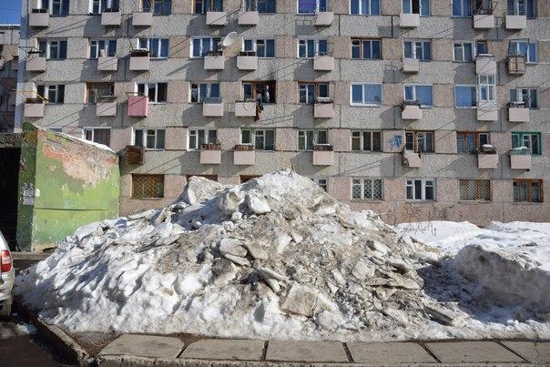 Усть-Илимск. Горы снега