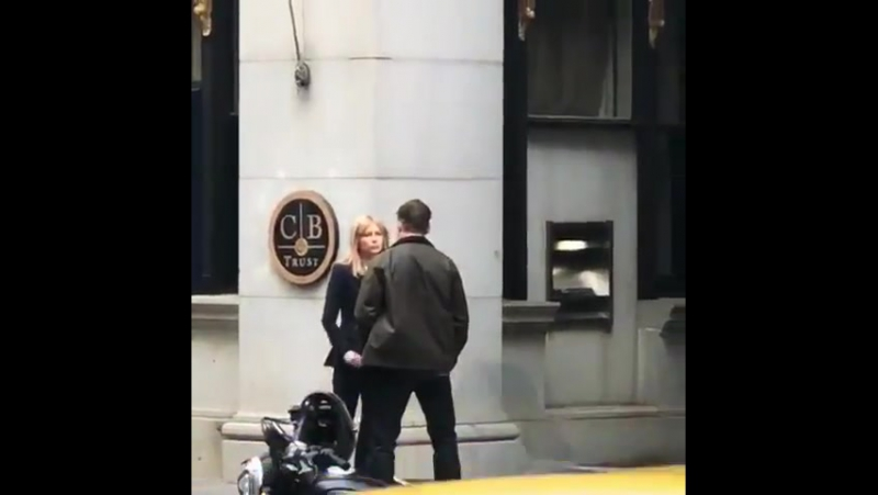Venom setinden Tom Hardy ve Michelle Williams.