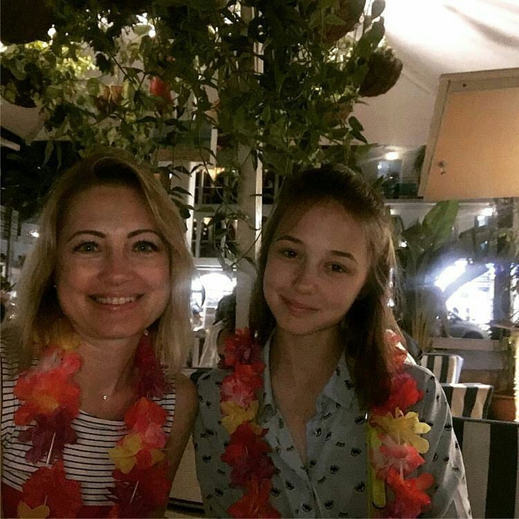 16-летняя «папина дочка» Екатерина Старшова предпочла медицину карьере актрисы