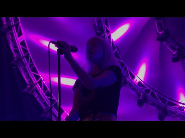 Paramore - Everywhere (Fleetwood Mac cover) - Nashville (2017)