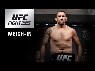Прямая трансляция показательной церемонии взвешивания участников турнира UFC в Лондоне.