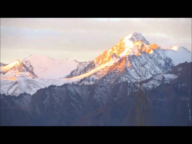 Огненный знак Ахам в небе над Гималаями. 27.11.14