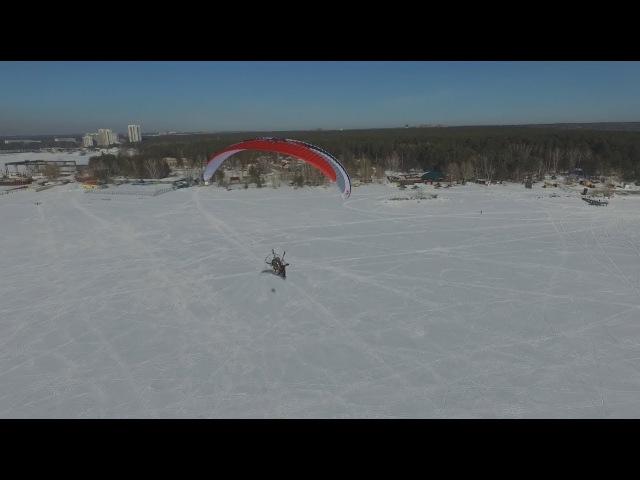 Полет над Новосибирским водохранилищем Параплан Кайтинг Paragliding and snowkiting Novosibirsk