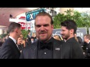 David Harbour ('Stranger Things') Golden Globes 2018 red carpet exclusive interview