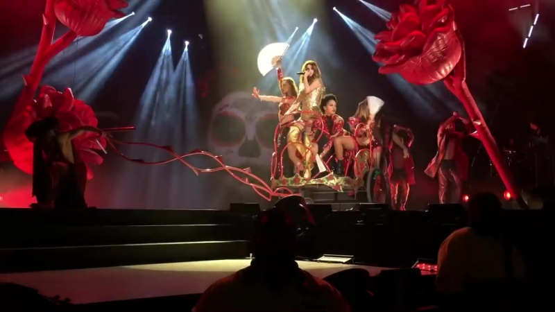 Selena Gomez (Live): Revival (Toronto) You Don't Own Me/Me and My Girls
