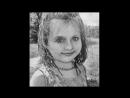 Девочка-улыбочка)).Портрет с фото черно-белый,сложный.25 *35